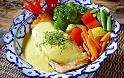 New Zealand Salmon in Green Curry Sauce