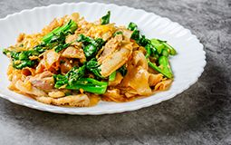 Pad See Eiw (Sweet Noodle)